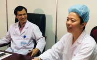 Bệnh nhân hát trên bàn mổ khi bác sĩ đang nạo vét u não
