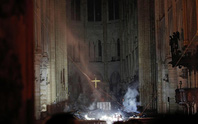 Clip Tổng thống Pháp: Chúng tôi sẽ tái xây dựng Nhà thờ Đức Bà