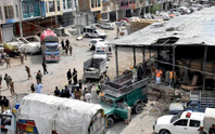 Chặn hàng loạt xe buýt, lôi hành khách xuống đất thảm sát
