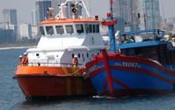 Vượt sóng trong đêm cứu 7 ngư dân hoảng loạn sau 4 ngày trôi dạt trên biển