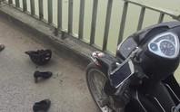 Nữ kế toán bỏ lại giày, xe máy nhảy cầu Bến Thủy trước sự ngỡ ngàng của nhiều người