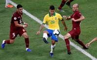 VAR hai phen can thiệp sốc, Brazil bất lực 100 phút trước Venezuela