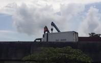 Lật xe trên cao tốc TP HCM - Trung Lương