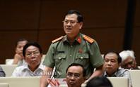 ĐB Nguyễn Hữu Cầu sử dụng quyền tranh luận khi chất vấn Bộ trưởng Nguyễn Văn Thể