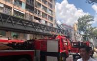 Cháy ký túc xá 929 Trần Hưng Đạo, cư dân nháo nhào, bệnh viện kề bên sơ tán