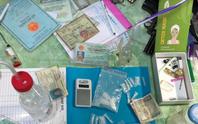 Bắt nhóm tàng trữ ma túy, phát hiện kho xe trộm cắp
