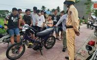 Ngăn chặn nhóm thanh thiếu niên đua xe trái phép