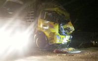 Tông đuôi xe tải trên Quốc lộ 1A, tài xế xe tải tử vong trong cabin