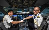 Chuyến bay thương mại đầu tiên của siêu máy bay lớn nhất Việt Nam có gì lạ?
