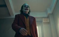 Ám ảnh thảm sát, rạp phim cấm mang mặt nạ khi xem Joker