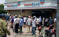 Mang súng xông vào cướp phòng giao dịch ngân hàng VietinBank