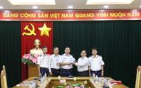 Chương trình Một triệu lá cờ Tổ quốc cùng ngư dân bám biển do Báo Người Lao Động triển khai rất ý nghĩa