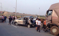 Hoãn toà xử vụ xe container tông Innova đi lùi trên cao tốc