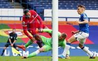 Liverpool sốc: Van Dijk chấn thương cực nặng, nghỉ thi đấu hết mùa