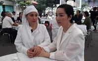 Việt Trinh, Giáng My đến chia buồn cùng Lý Hùng, Lý Hương