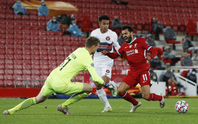 Man City thắng áp đảo, Liverpool chật vật hạ tí hon Midtiylland