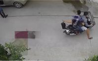 Bên trong giỏ xách vụ cướp giật táo tợn ở Bình Tân có gì?