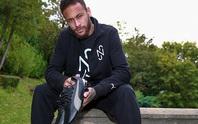 Ký hợp đồng khủng với Puma, Neymar cho Ronaldo và Messi ngửi khói