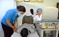 Kiên Giang: Khám bệnh, phát thuốc miễn phí cho nữ công nhân