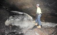 Bí ẩn tộc người 8.000 năm ở tử địa, sinh tồn bằng… ống dung nham