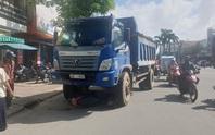 Vụ cô gái dừng đèn đỏ bị xe tải tông tử vong: Tài xế khai chạy nhanh để được nhiều chuyến hàng