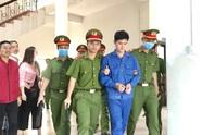 Luật sư đề nghị tạm trả tự do cho cựu bác sĩ bị cáo buộc hiếp dâm nữ điều dưỡng