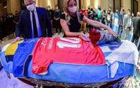 CLIP: Lễ an táng huyền thoại Maradona - Nước mắt tiếc thương, máu đổ vì bạo động