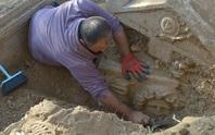 Theo dõi tội phạm, phát hiện mộ cổ 2.300 năm và kho báu gây choáng váng