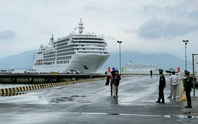 Cảng Chân Mây cùng lúc đón 2 tàu chở 1.300 du khách tham quan Huế
