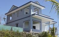 CLIP: Biệt thự xây không phép trên Núi Lớn bề thế mức nào?