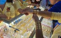Giá vàng SJC bốc hơi thêm gần 1 triệu đồng/lượng
