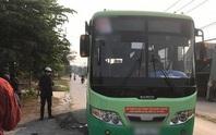 Nữ tiếp viên xe buýt ở TP HCM bị khách đâm chết