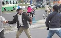 Tổ trưởng dân phố đánh nhau với người dân, cả 2 cùng nhập viện