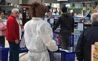 Thế giới kỳ lạ của những người đi siêu thị trong đại dịch Covid-19