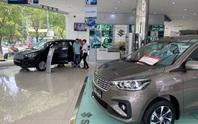 Giảm lệ phí trước bạ, giá xe vẫn khó giảm