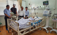 Thủ tướng Nguyễn Xuân Phúc thăm tướng tình báo Mười Hương