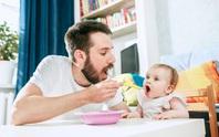 Ăn dặm thế nào để bé dễ mọc răng?