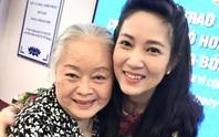 NSƯT Thanh Nguyệt xúc động nhận quà hỗ trợ dịch bệnh Covid-19