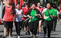 Rộn ràng ngày chạy Olympic TP HCM 2020, 8.000 người xuống phố