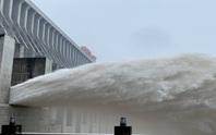 Trung Quốc vào mùa lũ chính, đập Tam Hiệp mở 3 cửa xả