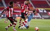 Man City bại trận ở St.Mary's bởi siêu phẩm sút xa 37m