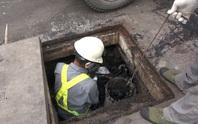 Âm thầm làm việc dưới cống ngầm