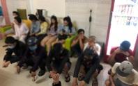 Khoảng tối trong nhà nghỉ Tú Sương và Mạnh Dũng ở quận Bình Tân
