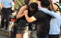 Xôn xao clip, hình ảnh cô gái trẻ đi Lexus LX570 bị chặn đường, đánh ghen ngay trên phố