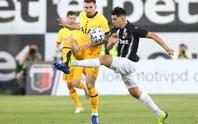 Plovdiv tặng quà thẻ đỏ và phạt đền, Tottenham thoát hiểm Europa League