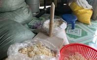 Phát hiện người phụ nữ đang tái chế hàng trăm ngàn bao cao su đã qua sử dụng