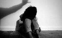 Bé gái 12 tuổi nhiều lần bị cha dượng xâm hại tình dục dẫn tới có thai