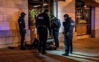 Nhiếp ảnh gia Nick Út hồi phục sau vụ bị tấn công bên ngoài Nhà Trắng