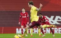 Liverpool thua sốc trên chấm phạt đền, tí hon Burnley lập kỳ tích