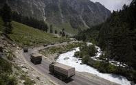 Binh sĩ Ấn Độ - Trung Quốc thượng cẳng chân, hạ cẳng tay ở biên giới